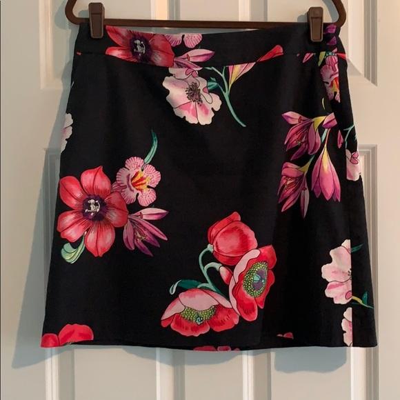 Ann Taylor Dresses & Skirts - An Taylor Black/multi color skirt